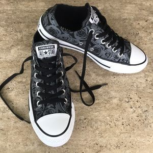 NEW Converse unique black with gray roses